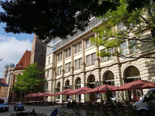 Literaturhaus München, Galerie (Erdgeschoss)