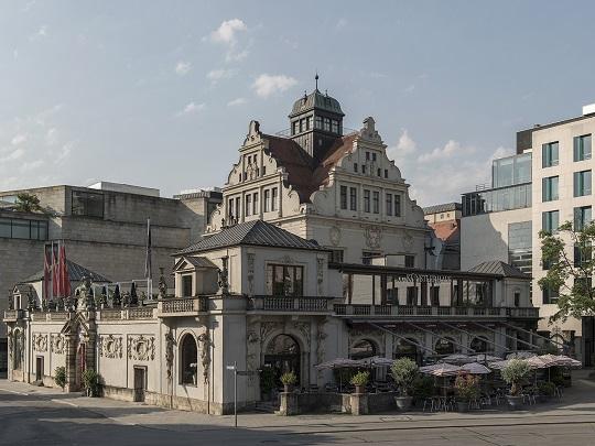 Online & Münchner Künstlerhaus
